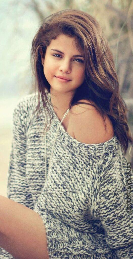 Selena Gomez Wallpaper For Iphone 11 Max Pro