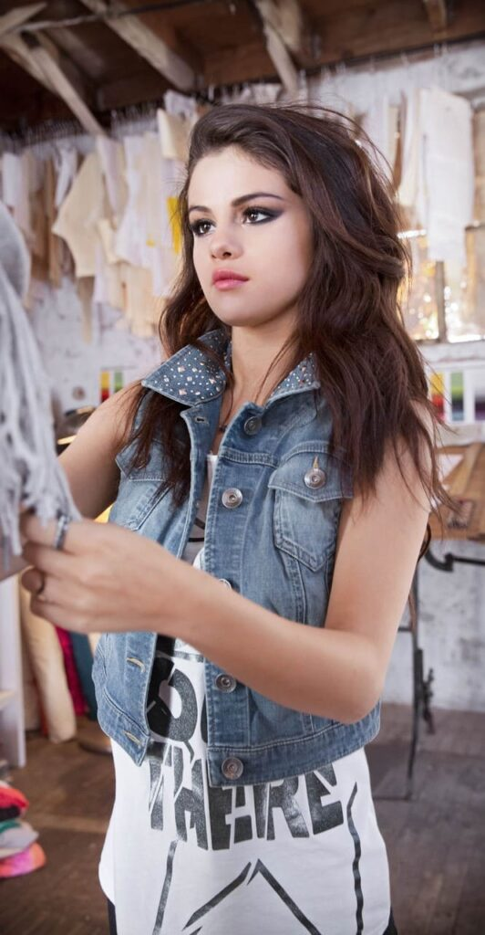 Selena Gomez Wallpaper For Iphone Xs