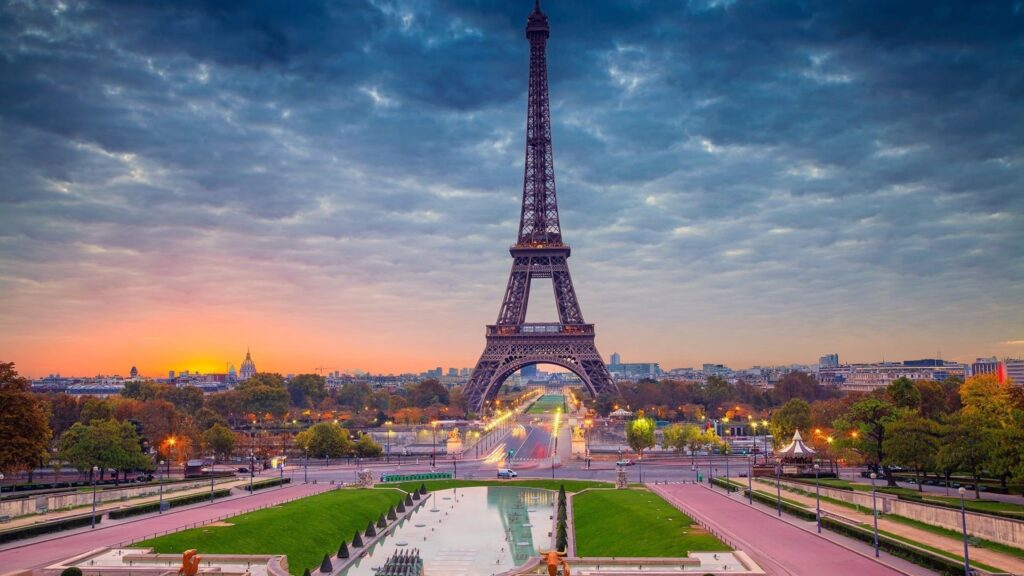 Eiffel Tower Laptop Wallpapers