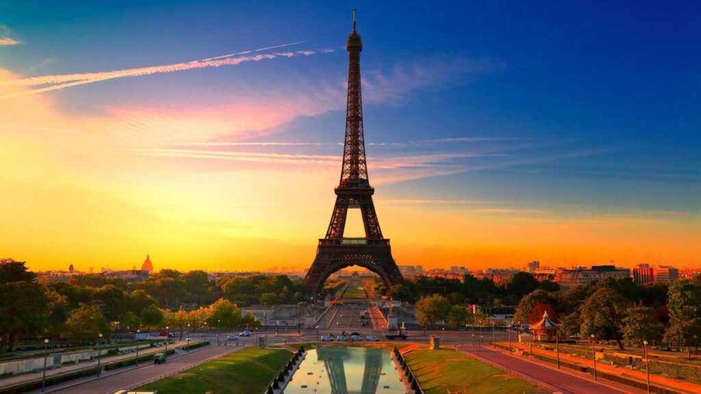Eiffel Tower Laptop Wallpapers Hd