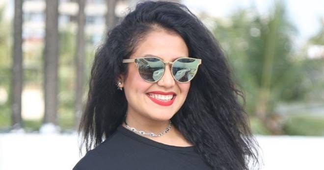 Neha Kakkar Desktop Background