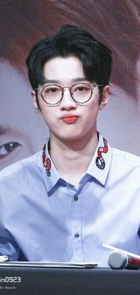 lai kuan lin background images